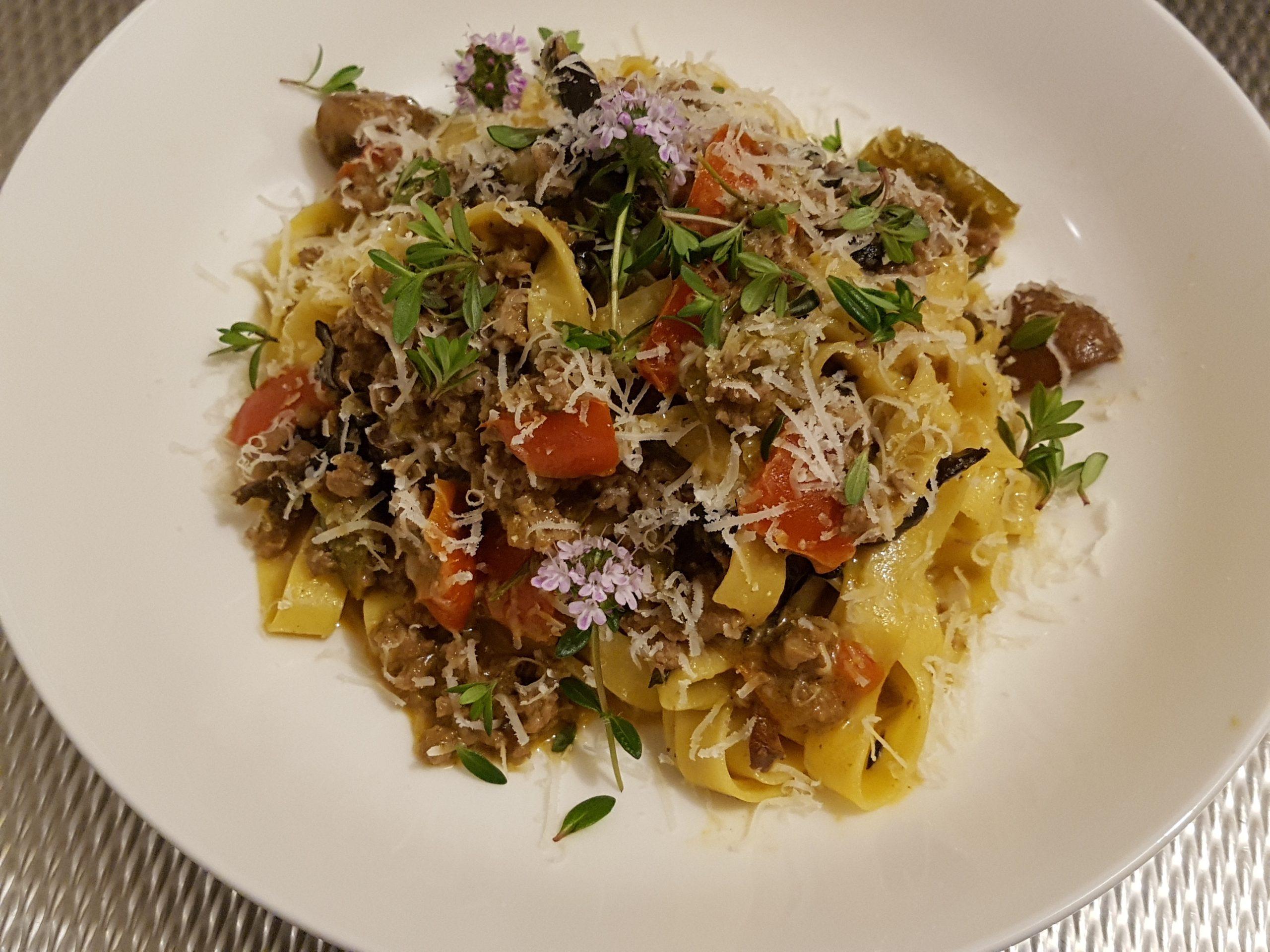 Ragù met paddenstoelen en paprika